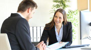 Jak probíhá první schůzka v bance?